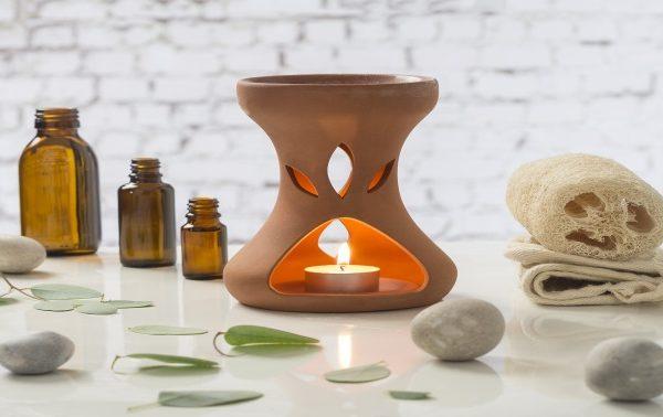 Warming oils for aromatherapy